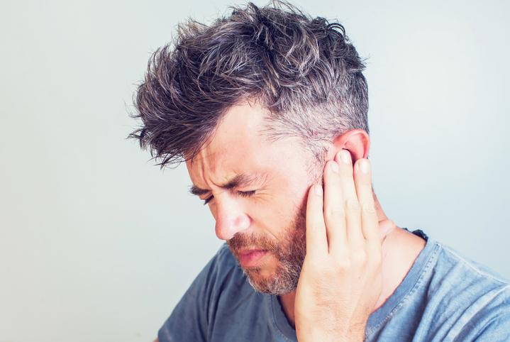 أنواع التهاب الأذن الوسطى وطرق علاجها