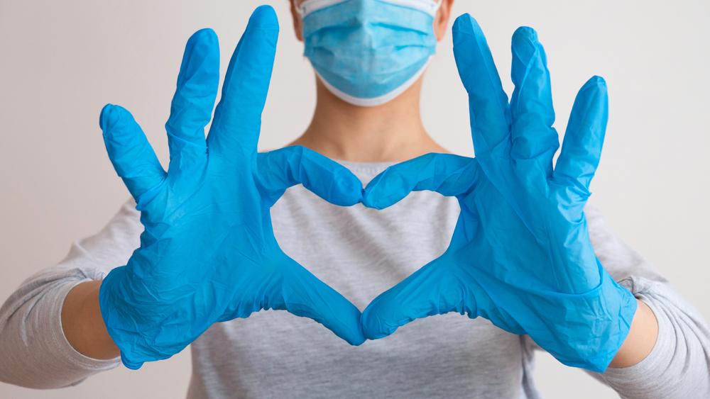 التدابير الوقائية لضمان سلامتكم في عياداتنا