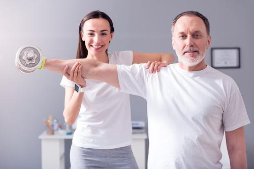 فوائد العلاج الطبيعي في المنزل